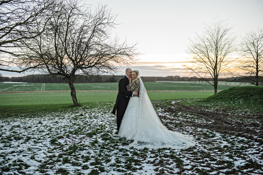 winter-wedding-jomfruens-egede_42